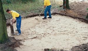KROK III - Wypełnianie piaskiem